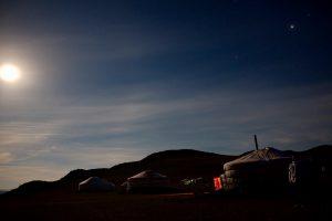 大草原の夜明け 雄大な大自然で迎える夜明けの美しさには感動しました。