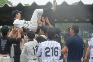 生野裕一 監督 名采配で、8連覇に導きました。生野監督の采配なしには8連覇はありえませんでした。