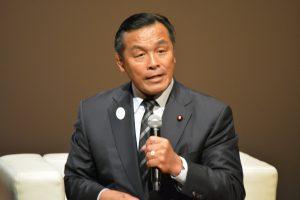 ゲスト講師① 衆議院議員 馳浩 氏 元文部科学大臣。教育部門の行政トップとしての執務経験から、多くの貴重なお話をいただきました。
