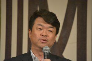 佐藤嘉洋監事による講評 本例会企画で作成した会員カードは、何十年後までの残る貴重な資料になるのではないかとの講評をいただきました。