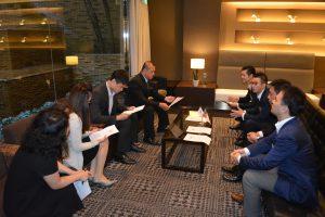 大分JCから、理事長、専務理事、副理事長などが参加し、基隆JCからは、理事長、次年度理事長が参加したトップ会談が行われました。 今後の交流のあり方やなどについて協議が行われました。