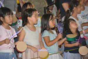 ブロードウェイ本番⑫ 子供たちも真剣に太鼓を叩きます。