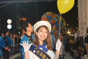 風船リリース③ 大分市観光キャンペーンレディの皆さんも、風船を持ってスタンバイ