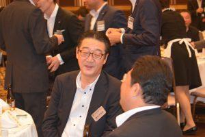 交流会の様子⑧ 藤田千克由OB会長も、現役会員にいろいろなお話をしてくださりました。