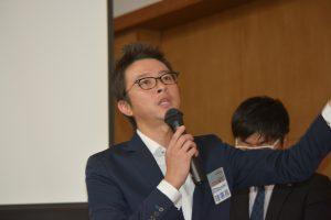 大分青年会議所の川北慶祐理事長による中島委員長への謝辞。 川北理事長が、ご自身のお子さんへの愛情表現で工夫をしていることについても、お話しいただきました。